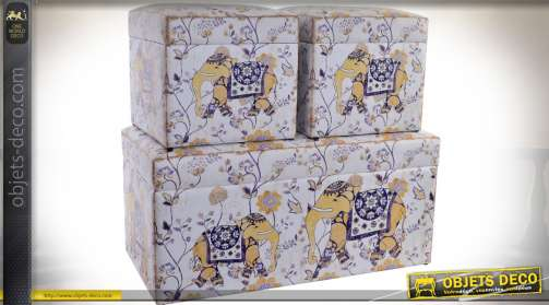 Ensemble composé de trois coffres de rangement avec structure en bois et revêtement façon tapisserie ancienne et rétro sur le thème des éléphants et d