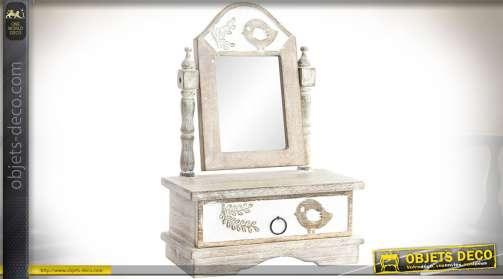 Miroir de coiffeuse de style rétro bois blanchi et vieilli, avec un bloc tiroir et miroir pivotant sur montant en bois tourné.