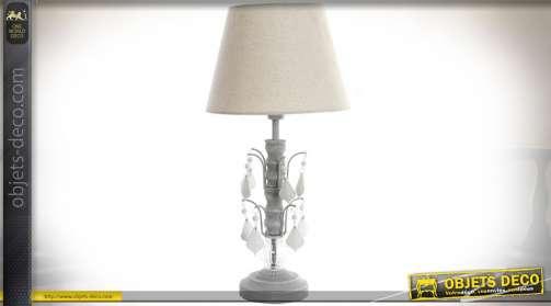 Lampe à poser de style rétro avec pied patiné gris souris et pampilles opacifiées, pièce d'enfilage godronnée en acrylique et abat-jour conique en tis
