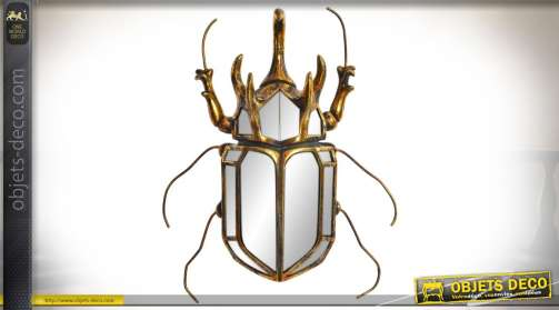 Décoration murale en résine et verre en forme de grand scarabée en miroir finition dorée et vieillie