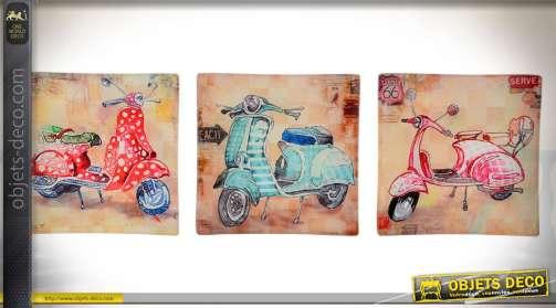 Série coordonnées de trois vide-poches ou petits plateaux décoratifs en verre, illustrés sur le thème vintage des scooters Vespa.