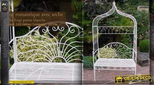 Banc romantique en fer forgé avec son arche décorative