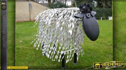 Mouton stylisé en métal pour décoration de jardin