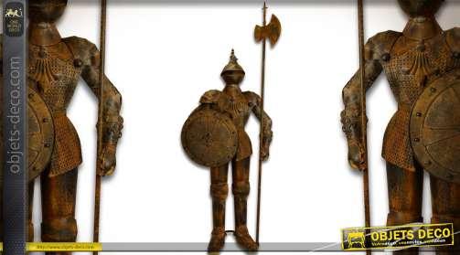 Armure de chevalier en armes de style médiéval, grandeur nature 2,42 mètres, finition métal oxydé