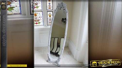 Miroir sur pied ovale. Psyché style Empire patine gris clair