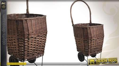 Panier porte-bûches sur roues, en osier teinté et structure de support métal