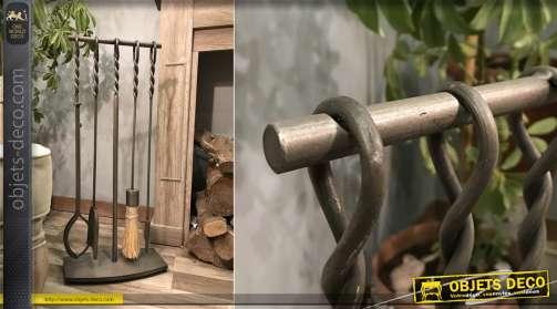 Serviteur de cheminée en fer forgé avec 4 accessoires