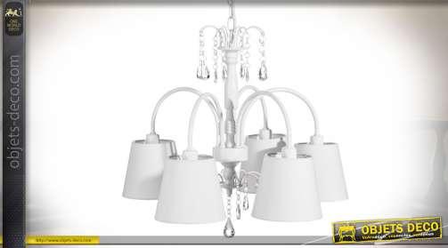 Lustre blanc en métal de style romantique avec 5 bras et abat-jour coniques