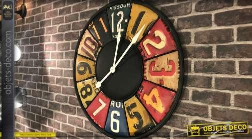 Horloge style indus et rétro en métal embossé Ø79 cm