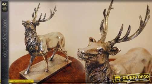 Statuette décorative cerf finitin vieil argent sur socle