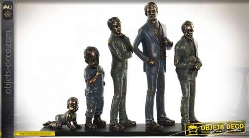 Statuette familiale en résine, de père en fils, finition effet métal usé ambiance vieille photo de famille, 41cm