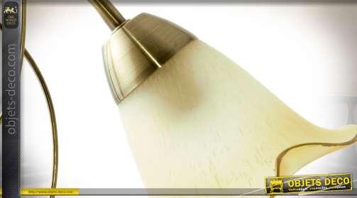 Lampe de salon vintage style romantique avec abat-jour tulipe crème clair et pied en métal doré