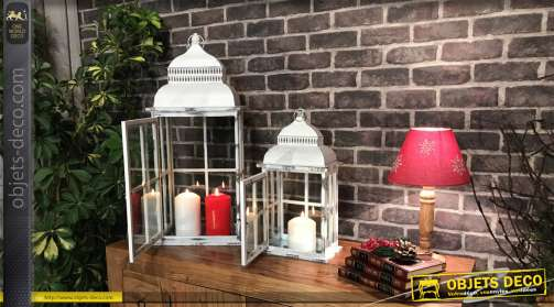 Série de deux lanternes en bois et métal finition effet ancien