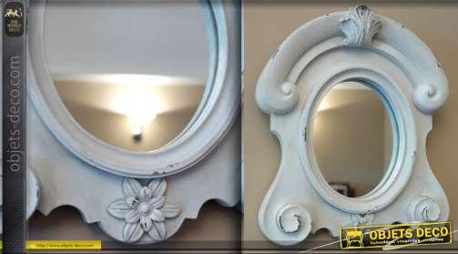 Miroir ovale dit oeil de boeuf avec patine blanche à l'ancienne