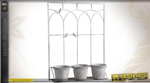 Jardinière déco murale en métal blanc antique avec étagère et trois cache pots en métal