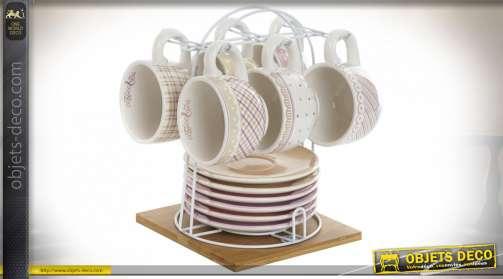 Service de tasse à café avec motifs d'ancienne cuisine, ambiance vintage champêtre