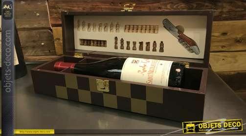 Coffret à vin en bois avec jeu d'échec intérger, plateau effet marqueté doré, 36cm