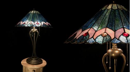 Grande lampe Tiffany de 73cm de haut, diamètre du dôme 48cm, ambiance vintage chic