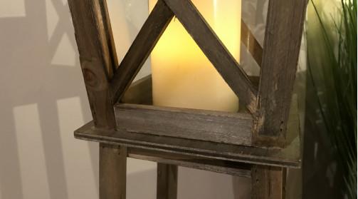 Lanterne sur pieds en bois et métal ambiance bord de mer, effet vieilli, forme de maisonnette sur pilotis, 93cm de haut