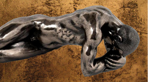 Statuette en résine d'un homme allongé sur le dos, ambiance moderne, déco chic
