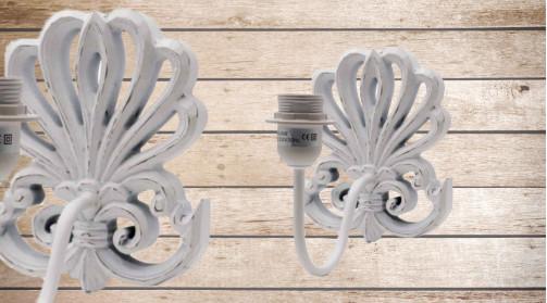 Applique murale en bois sculpté finition blanc décapé, décoration de charme shabby