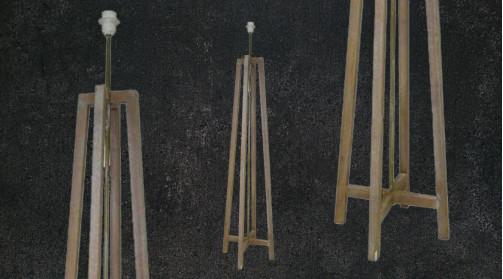 Lampadaire moderne en bois clair, ambiance zen rustique, esprit tripode
