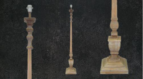 Lampadaire en bois sculpté de 147cm de haut, ambiance massive vieille demeure de campagne