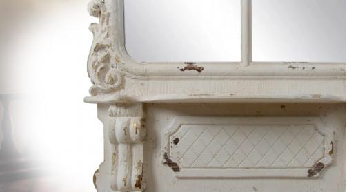 Très grand miroir en bois de sapin et verre, ambiance classique raffinée