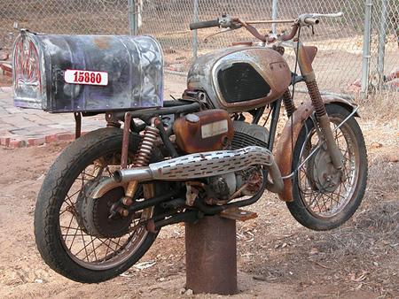 La boîte aux lettres façon Moto ancienne